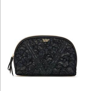 VS Floral Lace 🖤 Glam Beauty Bag